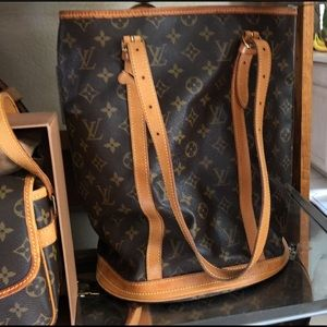 Auth Bucket GM Louis Vuitton Monogram Shoulder Bag